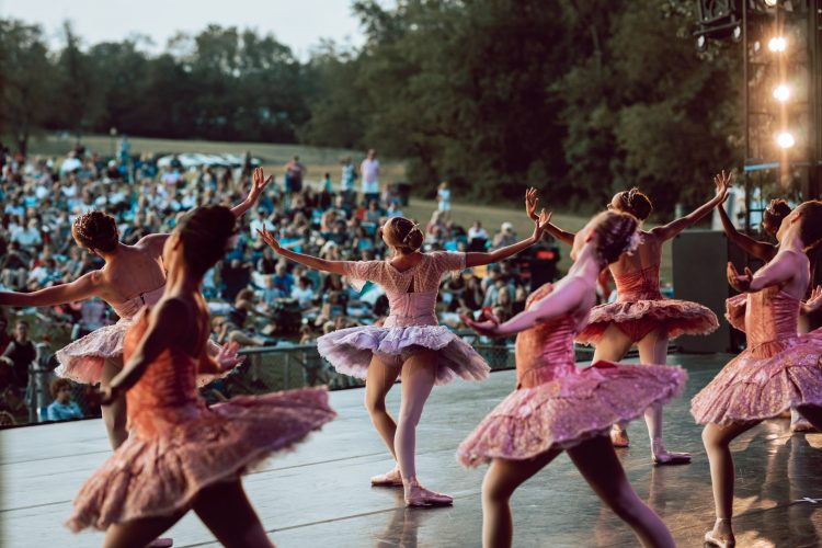 Catch these 3 must-see outdoor dance performances before we pirouette into autumn