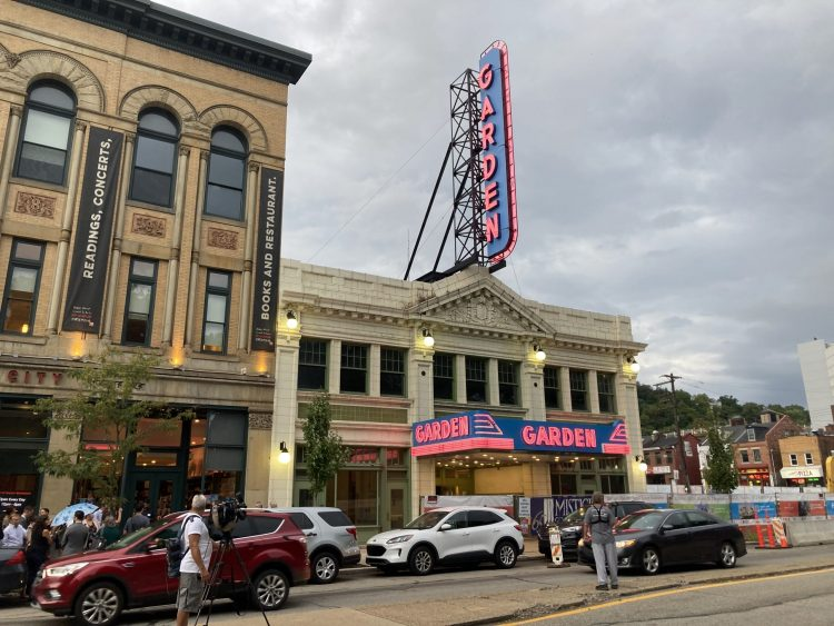 Lights go back on at the North Side's Garden Theater, with groundbreaking for 57 apartments